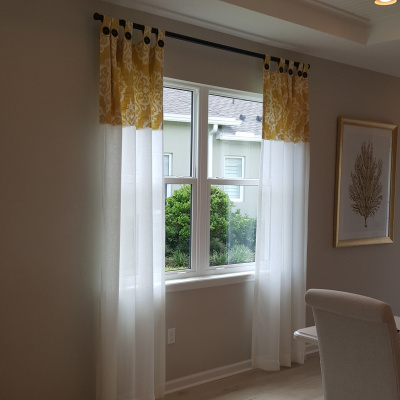 Colorful contrast top drapes on Decorative  Wood Pole